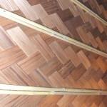 Ajiro japanisches Furniergeflecht aus dunklem Zederholz